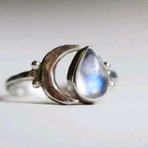 Sterling silver and Moonstone crescent moon ring